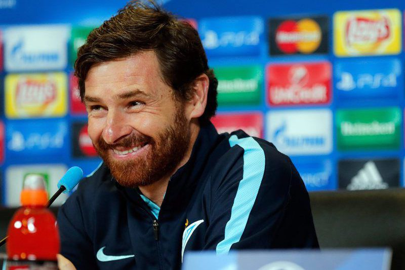 FC Zenit press conference • epa05038711 FC Zenit's Portuguese coach Andre Villas-Boas attends a press conference at the Petrovsky stadium in St. Petersburg, Russia, 23 November 2015. FC Zenit St.Petersburg will face Valencia CF in the UEFA Champions League group H soccer match on 25 November 2015.  EPA/ANATOLY MALTSEV • Lusa