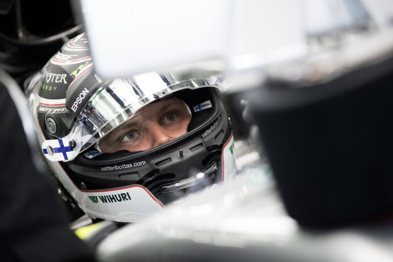 Valtteri Bottas garante 'pole position' para o GP do Bahrein de F1