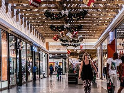 323ff42e08 Vamos aos saldos? 28% dos portugueses vão aproveitá-los para fazer compras  - Atualidade - SAPO Lifestyle