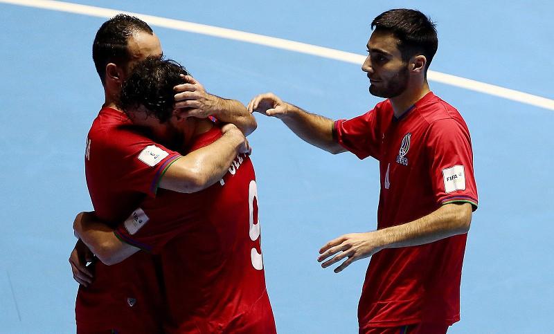 Futsal  Portugal nas meias depois de vencer Azerbeijão - Desporto ... 55b5641ae7f34