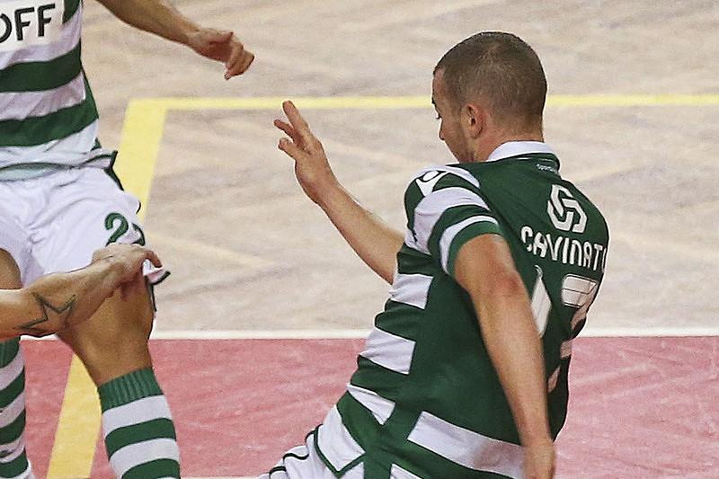 1a542bca6f Sporting goleiam Leões de Porto Salvo (7-1) - Futsal - SAPO Desporto