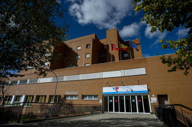 SPAIN, Madrid : General view of the Carlos III hospital in Madrid on October 7, 2014 after a nurse was admitted overnight with the deadly Ebola virus. Spain was investigating today how a nurse in Madrid could have become infected with Ebola, sparking fears of the first outbreak outside Africa. The Spanish opposition and unions took the government to task after a nurse contracted Ebola at a Madrid hospital, sparking frears of a European outbreak of the deadly virus. AFP PHOTO / DANI POZO