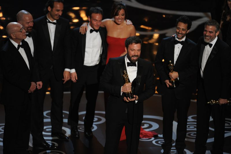Argo director Ben Affleck accepts the Oscar for Best Movie onstage at the 85th Annual Academy Awards on February 24, 2013 in Hollywood, California. AFP PHOTO/Robyn BECK