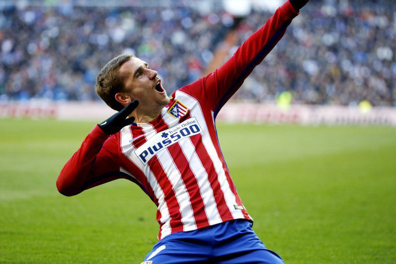 Real Madrid vs Atletico Madrid • epa05183899 Atletico Madrid's French midfielder Antoine Griezmann celebrates after scoring the opening goal against Real Madrid during the Spanish Liga Primera Division soccer match played at Santiago Bernabeu stadium in Madrid, Spain, 27 February 2016.  EPA/Sergio Barrenechea • Lusa