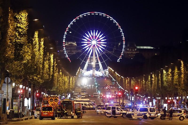 Atentados en París más de 120 muertos y 300 heridos