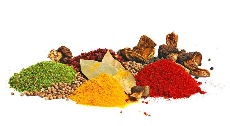 5 especiarias a que deve recorrer para reduzir o consumo de sal
