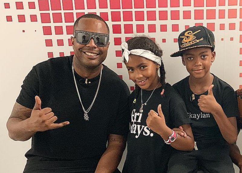 Single de Sarissari com participação dos filhos Skaya e Skaylan já faz sucesso
