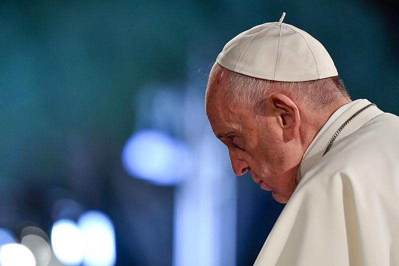 Papa Francisco torna obrigatória denúncia de abuso sexual por parte do clero