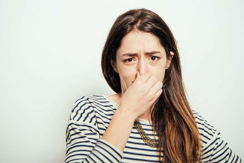 Cheiro mal? 8 coisas que não sabe sobre o seu odor corporal