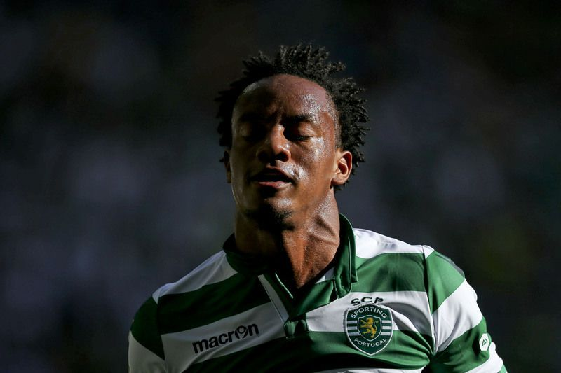 Sporting CP vs Sporting de Braga • Andre Carrillo of Sporting CP reacts during the Portuguese First League match against Sporting de Braga during the Portuguese First League match against Sporting de Braga held at Alvalade Stadium in Lisbon, Portugal, 17 May 2015. JOSE SENA GOULAO/LUSA • Lusa