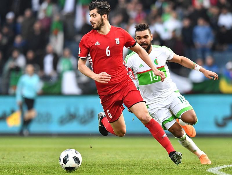 Mundial 2018  Iraniano Ezatolahi é o único que falha a primeira jornada por  castigo 3de1db2c86082