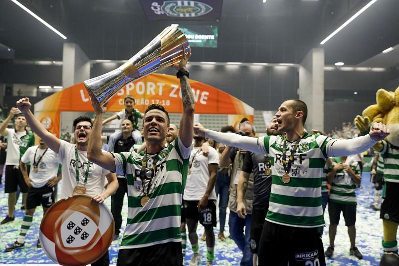Futsal do Sporting regressou ao trabalho com o tetracampeonato como objetivo 4d672ac337dbe