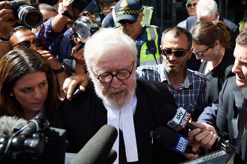Resultado de imagem para Tribunal australiano ordena detenção do cardeal condenado por pedofilia