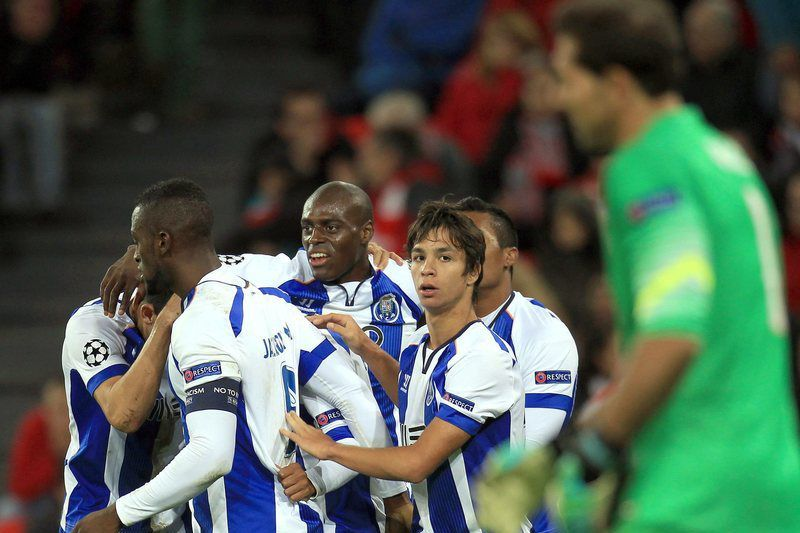 FC Porto venceu 0-2 em Bilbao • Porto's players celebrate after scoring the 0-2 during the Champions League match between Athletic Bilbao and Porto at San Mames' satdium in Bilbao, Basque Country, Spain on 05 November 2014.  • EPA/LUIS TEJIDO