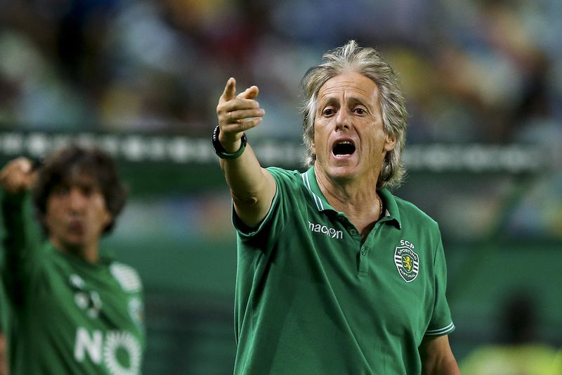 Sporting CP vs Wolfsburg • Sporting CP´s head coach Jorge Jesus reacts during the 'Five Violins' trophy match Sporting CP vs Wolfsburg at Alvalade Stadium Lisbon Portugal 30 July 2015.  JOSE SENA GOULAO/LUSA • © 2016 LUSA - Agência de Notícias de Portugal, S.A.