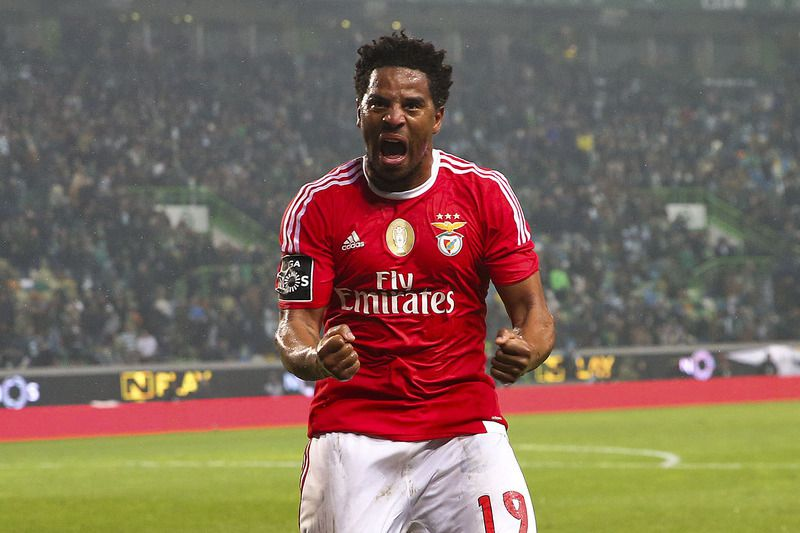 Sporting vs Benfica • Benfica's player Eliseu celebrates after the Portuguese First League soccer match against Sporting held at Alvalade stadium in Lisbon, Portugal, 05 March 2016.  • JOSE SENA GOULAO/LUSA