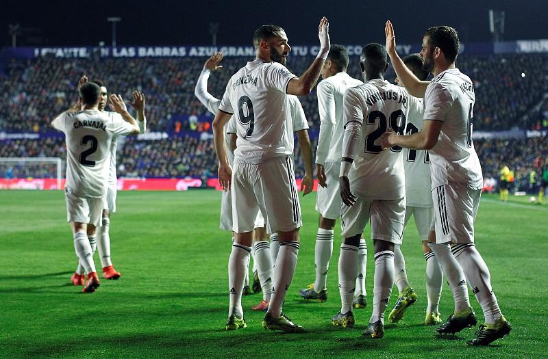 Real Madrid vence Levante com duas grandes penalidades validadas pelo VAR 0d851dac4dffb