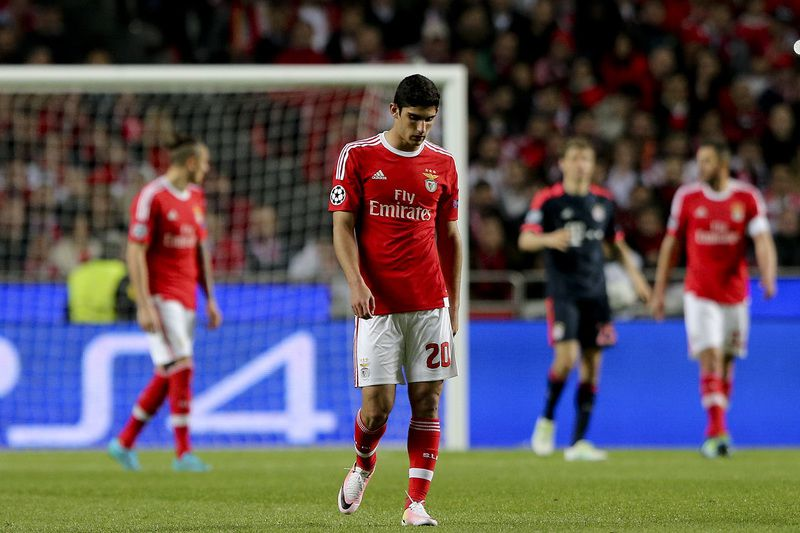 Benfica vs Bayern Munich • Benfica's Gonçalo Guedes reacts during their UEFA Champions League quarterfinal second leg soccer match with Bayern Munich, at Luz Stadium, in Lisbon, Portugal, 13 February 2016. MIGUEL A. LOPES/LUSA • Lusa