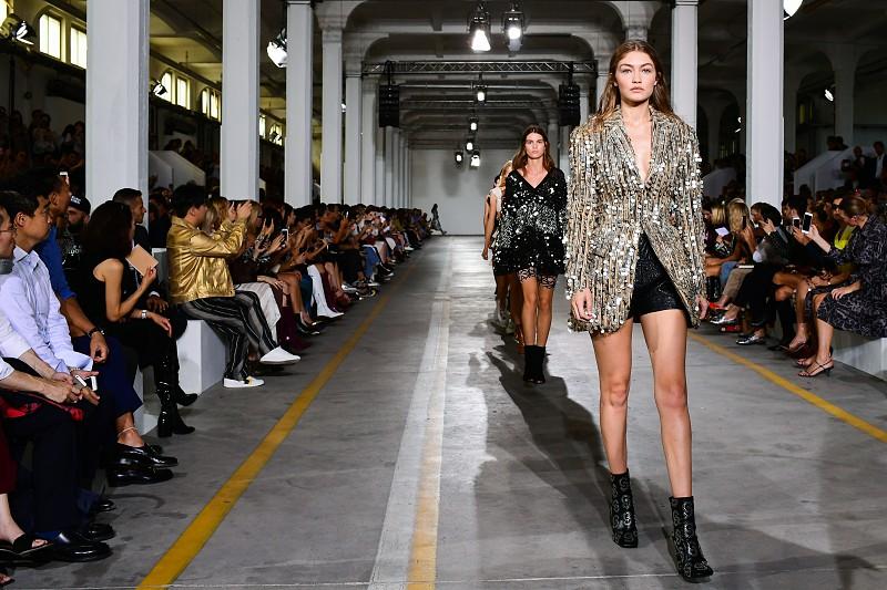 promo code d500e 3dd0e Ferragamo, Cavalli e Missoni apresentam coleções de moda em ...