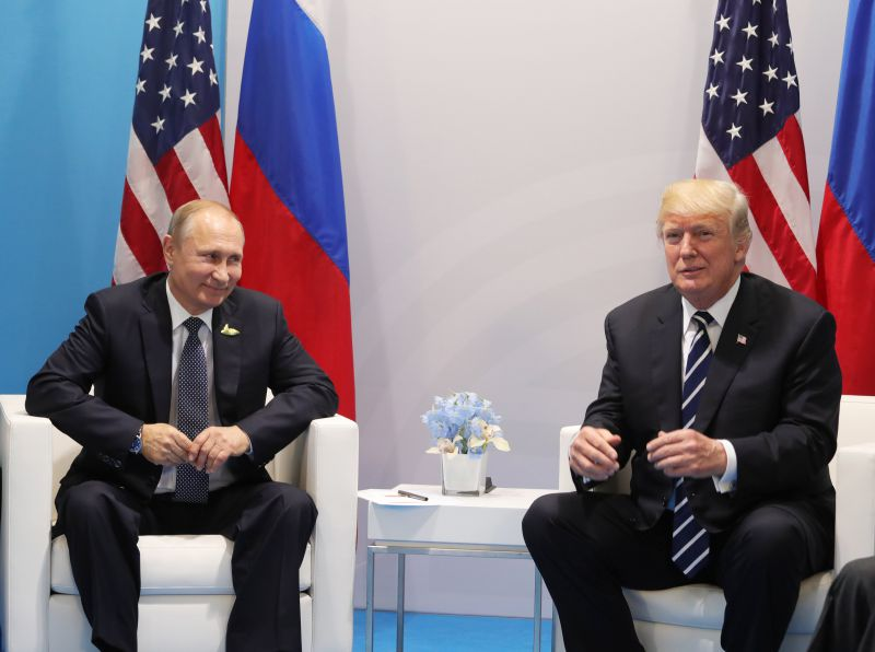 Trump classifica encontro com Vladimir Putin de