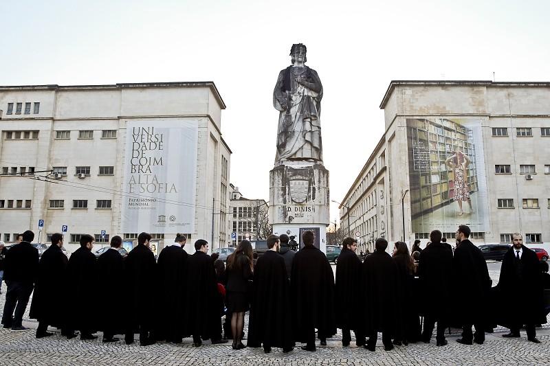 Resultado de imagem para Universidade de Coimbra alarga apoio social a alunos de doutoramento 21 set 2018 16:38