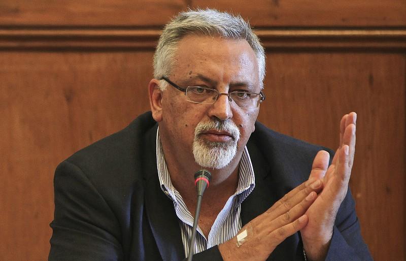 Novo livro de poesia de Francisco José Viegas é apresentado na segunda-feira