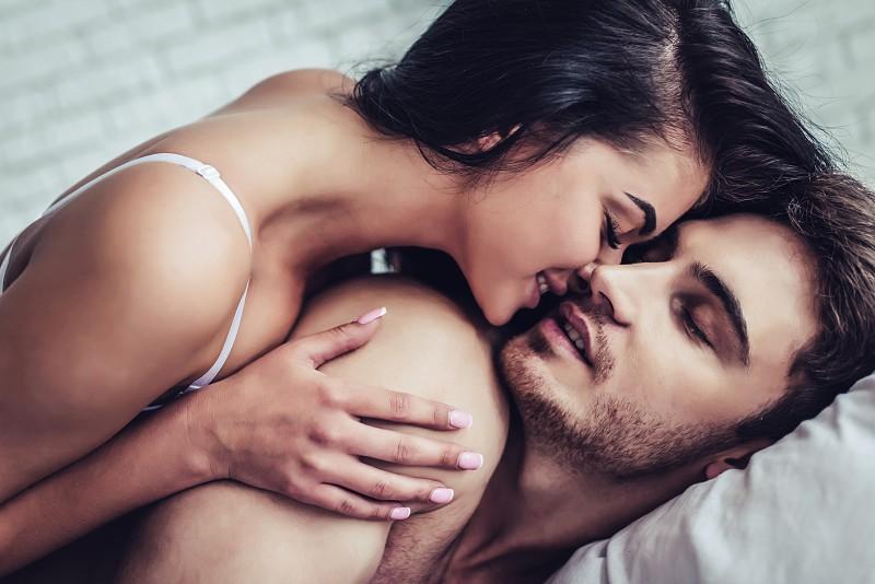 Pessoas que fazem sexo de manhã são mais produtivas