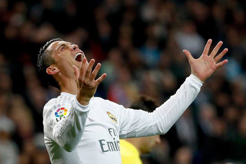 61a11e74d424759e1b1fdd9ee6e92c72fa6071ab.jpg • epa05269550 Real Madrid's Cristiano Ronaldo reacts during the Spanish Liga Primera Division soccer match played at the Santiago Bernabeu stadium, in Madrid, Spain, 20 April 2016.  EPA/JuanJo Martin • EPA/JuanJo Martin