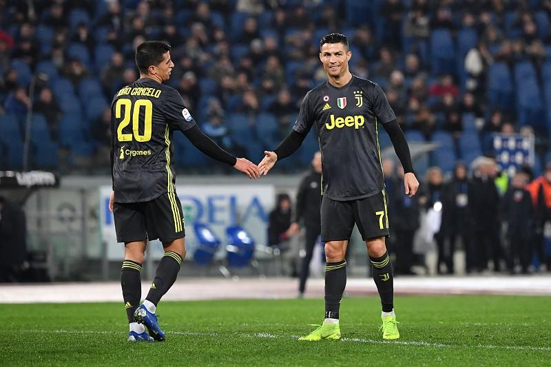 aa47df2133 Portugueses lá fora  Ronaldo e Cancelo aplicam reviravolta pela Juventus
