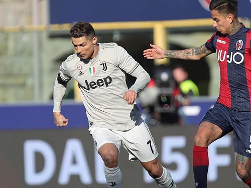 Ronaldo com problemas no tornozelo c86af3a9ef15f