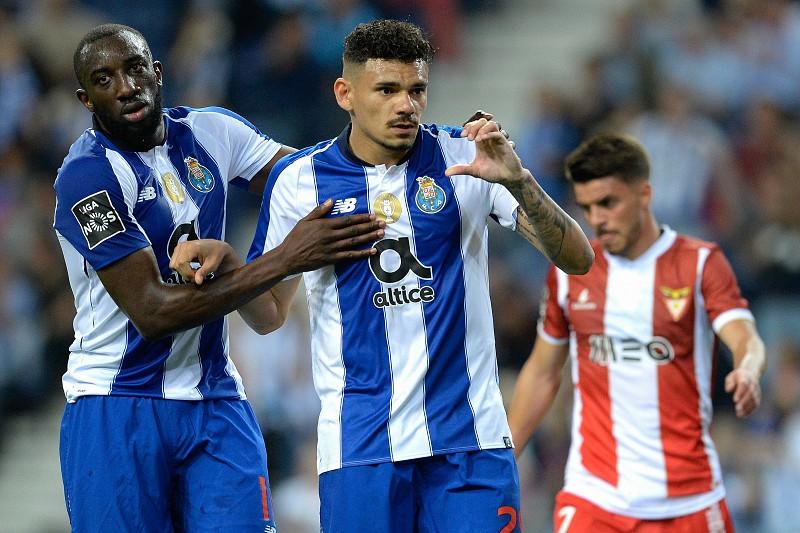 Resultado de imagem para FC Porto goleia Desportivo das Aves em dia dedicado a Iker Casillas