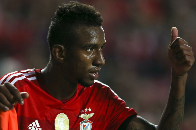 SL Benfica vs Gil Vicente • SL Benfica's player Talisca reacts during their Portuguese First League soccer match against Gil Vicente held at Luz Stadium in Lisbon, Portugal, 21 December 2014. MARIO CRUZ/LUSA • Lusa
