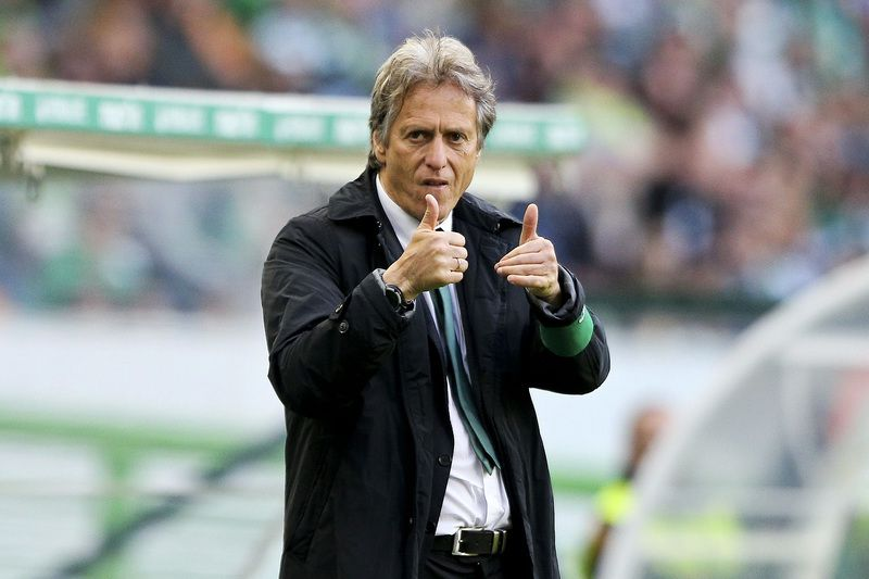 Sporting of Lisbon vs União da Madeira • Sporting of Lisbon head coach Jorge Jesus reacts during the Portuguese First League soccer match with Uniao da Madeira held at Alvalade XXI Stadium in Lisbon, Portugal, 23rd of April 2016. MIGUEL A. LOPES/LUSA • Lusa