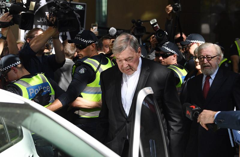 Tribunal australiano avança com julgamento de cardeal George Pell por  agressão sexual a768f253148