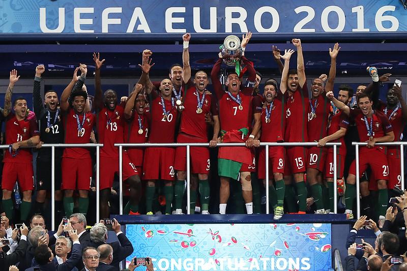 Portugal na história como o 10.º campeão europeu - Euro 2016 - SAPO ... 65d9fbc366bef