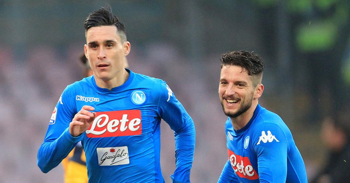 b206413631 Nápoles vence Verona e consolida liderança  AC Milan bate Crotone - Serie A  - SAPO Desporto