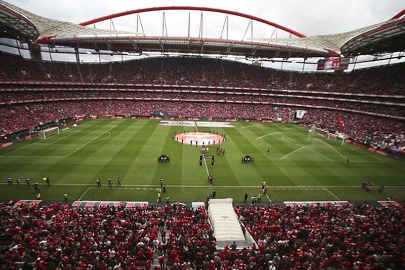 Já não há bilhetes  Benfica-FC Porto com lotação esgotada - I Liga ... 99e1f722c5f4d