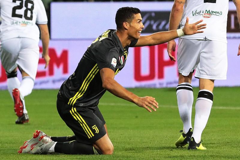 e221d53e58e Cristiano Ronaldo ganha 31 milhões por ano na Juventus - Serie A ...