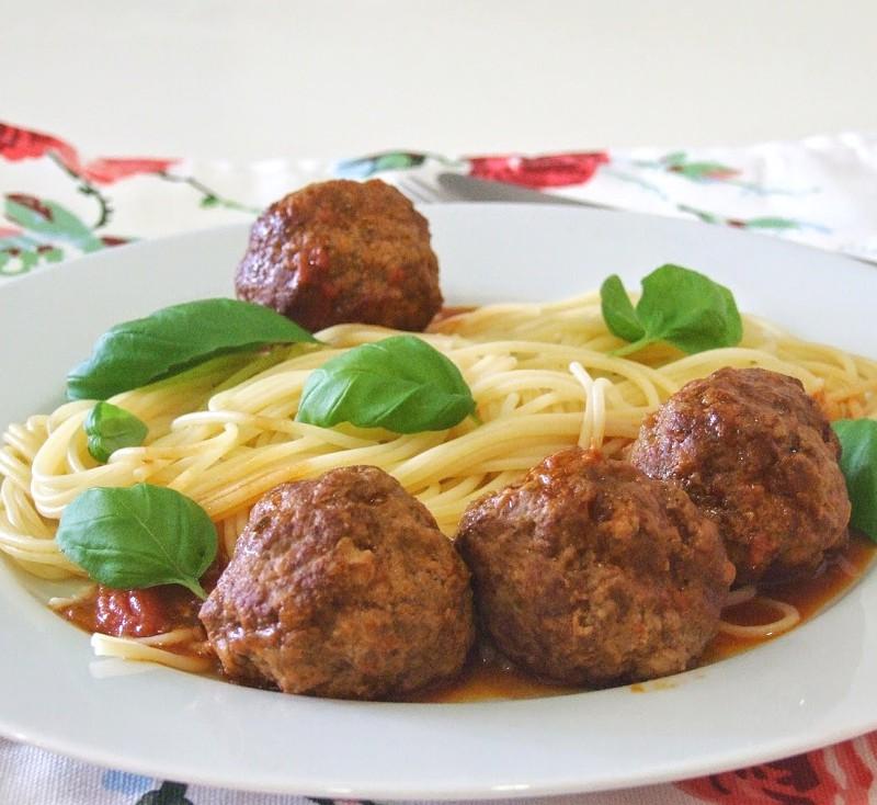 Almôndegas com esparguete - Receita - SAPO Lifestyle Almondegas Receita Portuguesa