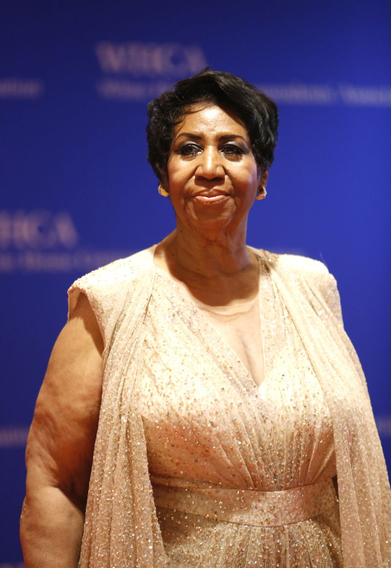 aretha franklin died - 589×800