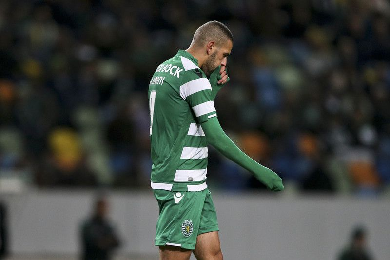 Sporting vs Moreirense • Sporting's player Slimani reacts during the Portuguese First League soccer match against Moreirense held at Alvalade stadium in Lisbon, Portugal, 14 December 2014. MIGUEL A, LOPES/LUSA • LUSA