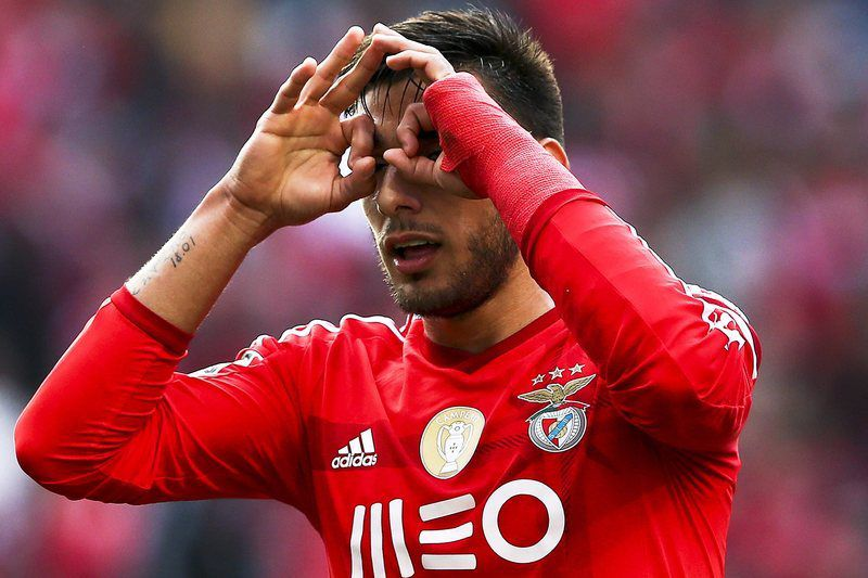 Benfica Lisbon vs Estoril Praia • epa04642018 Benfica's Eduardo Salvio celebrates after scoring a goal during the Portuguese First League soccer match between Benfica Lisbon and Estoril Praia at Luz Stadium in Lisbon, Portugal, 28 February 2015.  EPA/JOSE SENA GOULAO