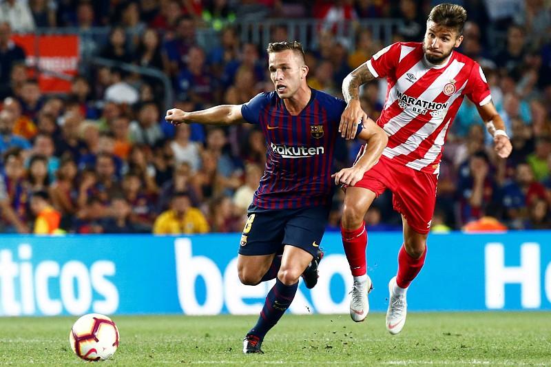 Liga espanhola adia mas mantém ideia de fazer jogo fora do país - La ... c136ac37e5300