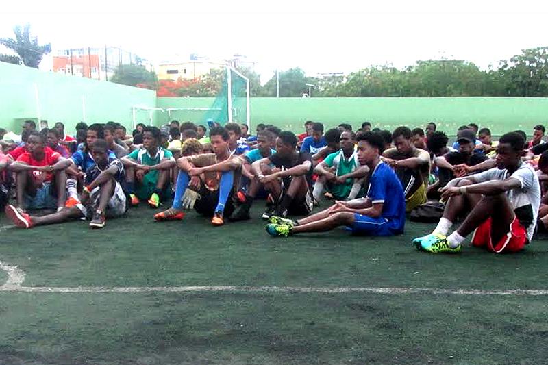 Cabo Verde  FC Porto já identificou mais de 30 jovens jogadores na Cidade  da Praia  Dragon Force ... 7249da4dbd977