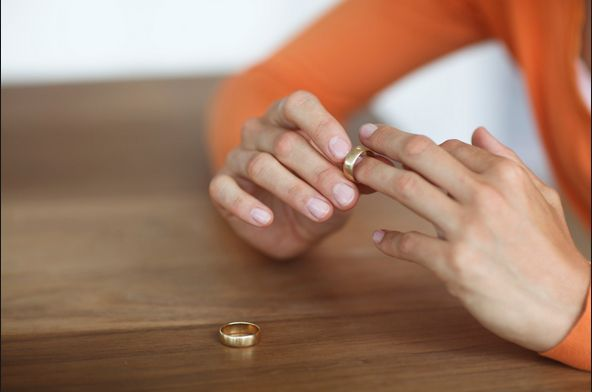 Resultado de imagem para Dinamarqueses com filhos obrigados a fazer curso online para se divorciarem