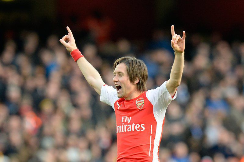 Arsenal v Everton • epa04643339 Arsenal's Tomas Rosicky celebrates scoring a goal against Everton during their English Premier League soccer match between Arsenal and Everton at the Emirates Stadium in London, Britain, 01 March 2015.  EPA/FACUNDO ARRIZABALAGA DataCo terms and conditions apply. https://www.epa.eu/files/Terms%20and%20Conditions/DataCo_Terms_and_Conditions.pdf • Lusa