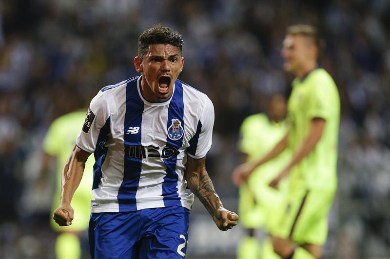 138bcf1700 Dupla Marega Soares avança para a Liga dos Campeões - Liga dos ...
