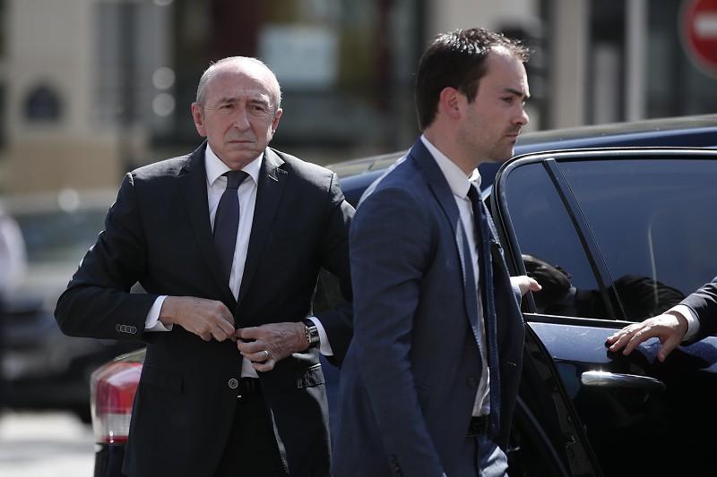 """Resultado de imagem para Governo francês reforça patrulhamento nos Alpes para assegurar """"controlo das fronteiras"""""""