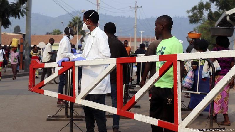 """Ébola: Ébola: """"As fronteiras angolanas são vulneráveis"""""""