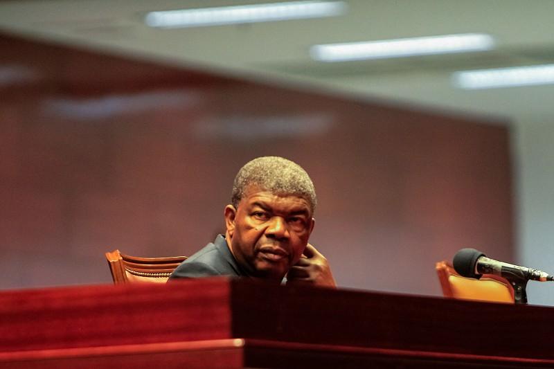 Presidente angolano nega ter poderes constitucionais excessivos